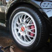 タイヤ交換 (BENZ、VW、BMW、ロータス)