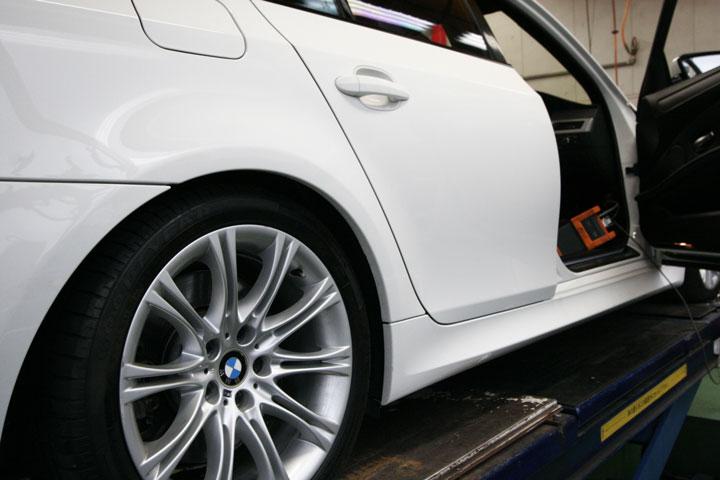 BMW E61 リアエアサス車高調整