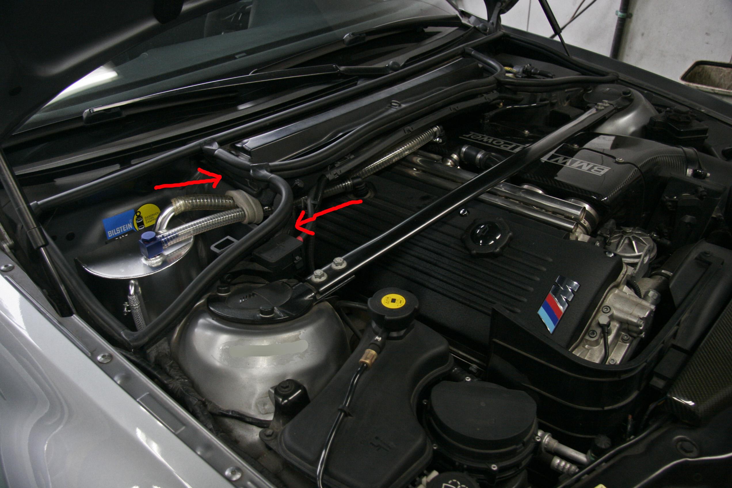 BMW E46/M3 CSL オイルキャッチタンク取り付け