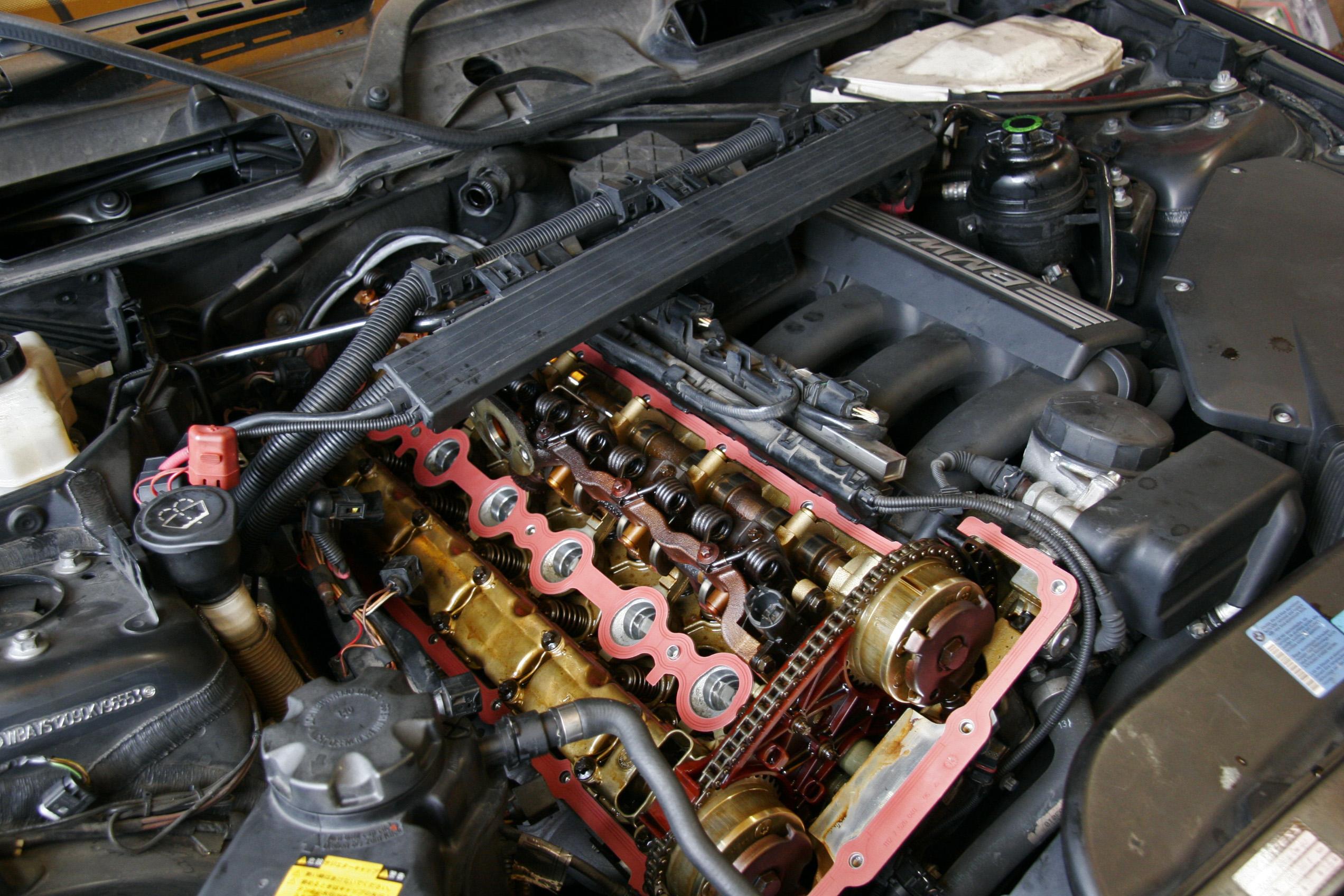 BMW E91/325 オイル漏れ修理