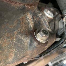 BMW E46M3 デフオイル漏れ修理&Super Magnetic Plug