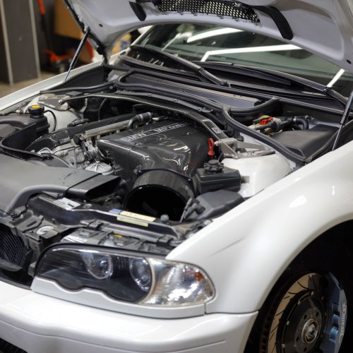 BMW E46M3 CSLじゃないけどカーボンサージタンク
