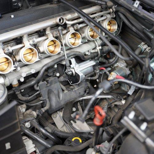BMW E46M3 スロットルアクチュエーター交換